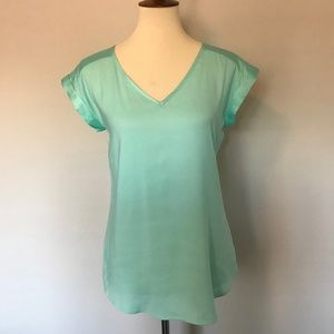 express • v-neck teal tee / top •